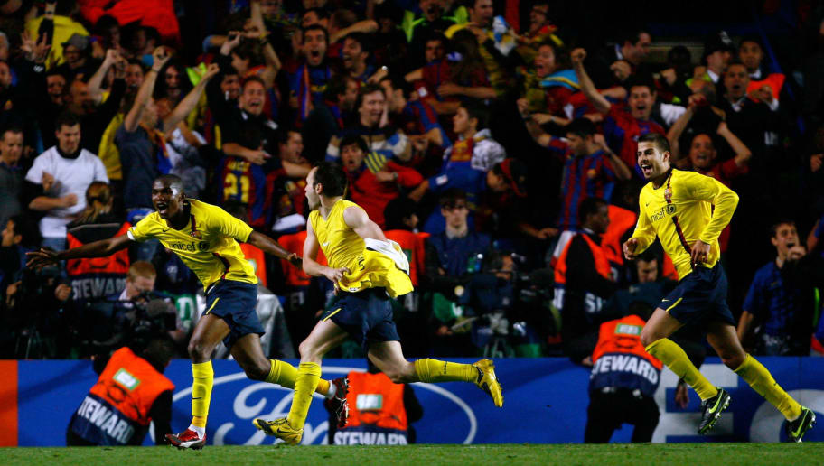 LONDON, ENGLAND - MAY 06:  Barcelona players celebrates after Andres Iniesta of Barcelona scored during the UEFA Champions League Semi Final Second Leg match between Chelsea and Barcelona at Stamford Bridge on May 6, 2009 in London, England.  (Photo by Clive Rose/Getty Images)