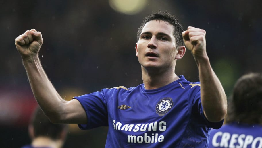 LONDON - DECEMBER 26:  Frank Lampard of Chelsea celebrates scoring the second goal during the Barclays Premiership match between Chelsea and Fulham at Stamford Bridge on December 26, 2005 in London, England.  (Photo by Ben Radford/Getty Images)