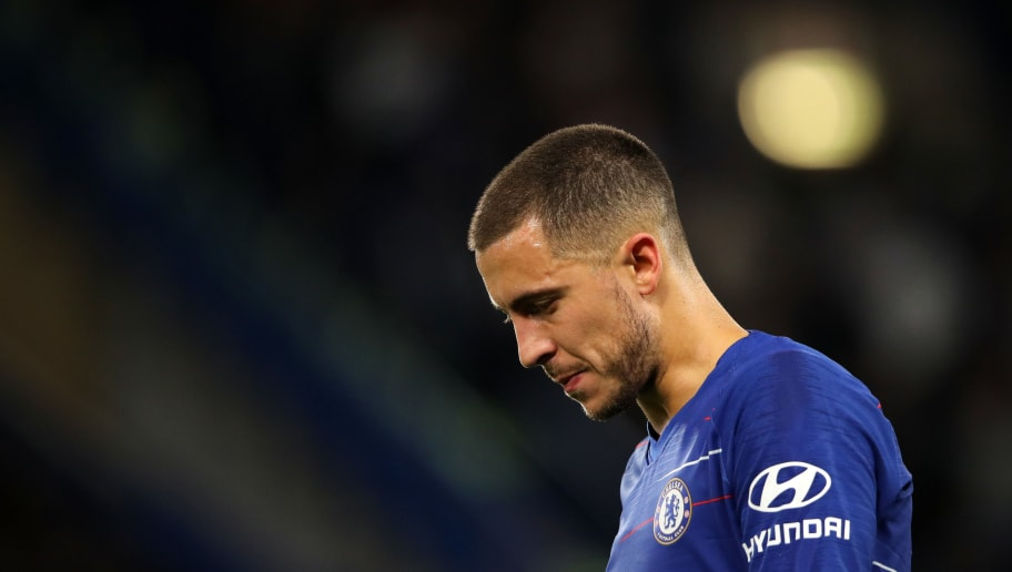 LONDON, ENGLAND - SEPTEMBER 29: Eden Hazard of Chelsea  during the Premier League match between Chelsea FC and Liverpool FC at Stamford Bridge on September 29, 2018 in London, United Kingdom. (Photo by Matthew Ashton - AMA/Getty Images)