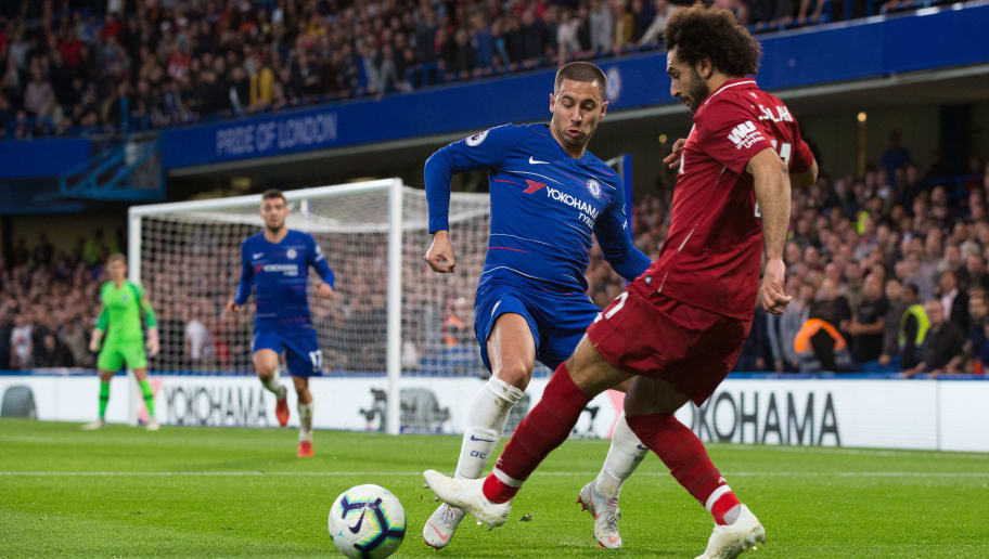LONDON, ENGLAND - SEPTEMBER 29:  Eden Hazard of Chelsea vies for possession with Mohamed Salah of Liverpool during the Premier League match between Chelsea FC and Liverpool FC at Stamford Bridge on September 29, 2018 in London, United Kingdom. (Photo by Craig Mercer/MB Media/Getty Images)