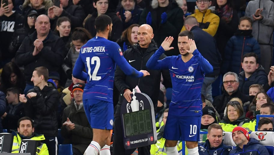 LONDON, ENGLAND - JANUARY 05:  Ruben Loftus-Cheek of Chelsea is replaced by Eden Hazard of Chelsea  during the FA Cup Third Round match between Chelsea and Nottingham Forest at Stamford Bridge on January 5, 2019 in London, United Kingdom.  (Photo by Justin Setterfield/Getty Images)