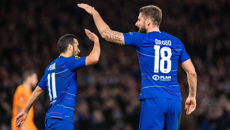 LONDON, ENGLAND - NOVEMBER 29: Olivier Giroud of Chelsea celebrate with he's team mate Pedro after scoring goal during the UEFA Europa League Group L match between Chelsea and PAOK at Stamford Bridge on November 29, 2018 in London, United Kingdom. (Photo by Sebastian Frej/MB Media/Getty Images)