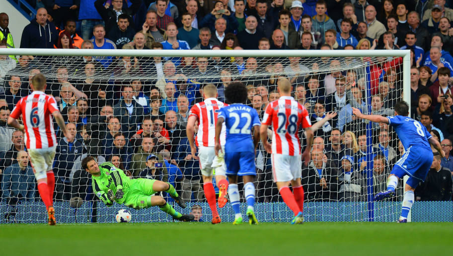 LONDON, ENGLAND - APRIL 05:  Asmir Begovic of Stoke City saves the first penalty attempt from Frank Lampard of Chelsea during the Barclays Premier League match between Chelsea and Stoke City at Stamford Bridge on April 5, 2014 in London, England.  (Photo by Mike Hewitt/Getty Images)