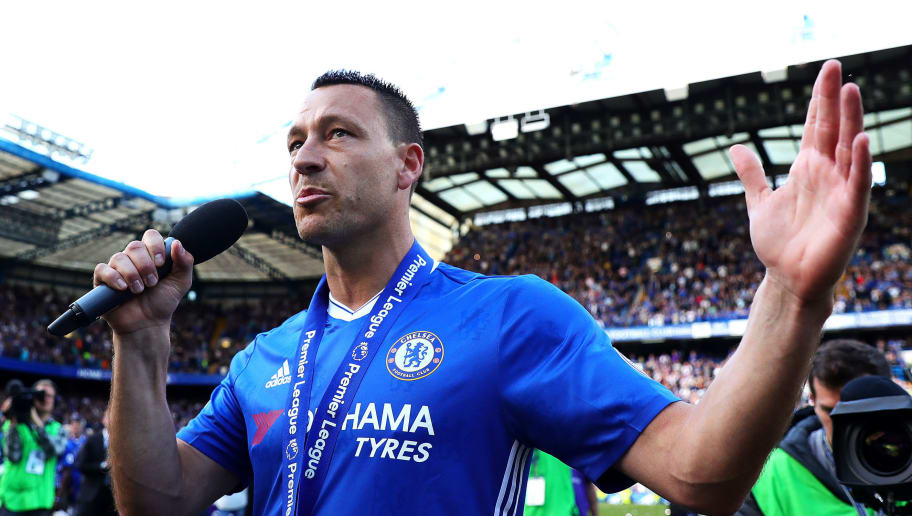 LONDON, ENGLAND - MAY 21: John Terry of Chelsea addresses Roman Abramovich from the pitch following the Premier League match between Chelsea and Sunderland at Stamford Bridge on May 21, 2017 in London, England. (Photo by Chris Brunskill Ltd/Getty Images)