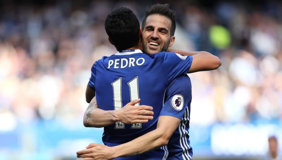 LONDON, ENGLAND - MAY 21:  Pedro of Chelsea celebrates scoring his team's third goal to make the score 3-1 with Cesc Fabregas during the Premier League match between Chelsea and Sunderland at Stamford Bridge on May 21, 2017 in London, England.  (Photo by Matthew Ashton - AMA/Getty Images)