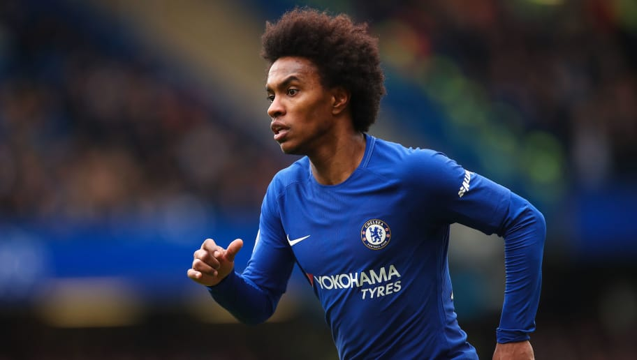 LONDON, ENGLAND - APRIL 01: Willian of Chelsea during the Premier League match between Chelsea and Tottenham Hotspur at Stamford Bridge on April 1, 2018 in London, England. (Photo by Robbie Jay Barratt - AMA/Getty Images)