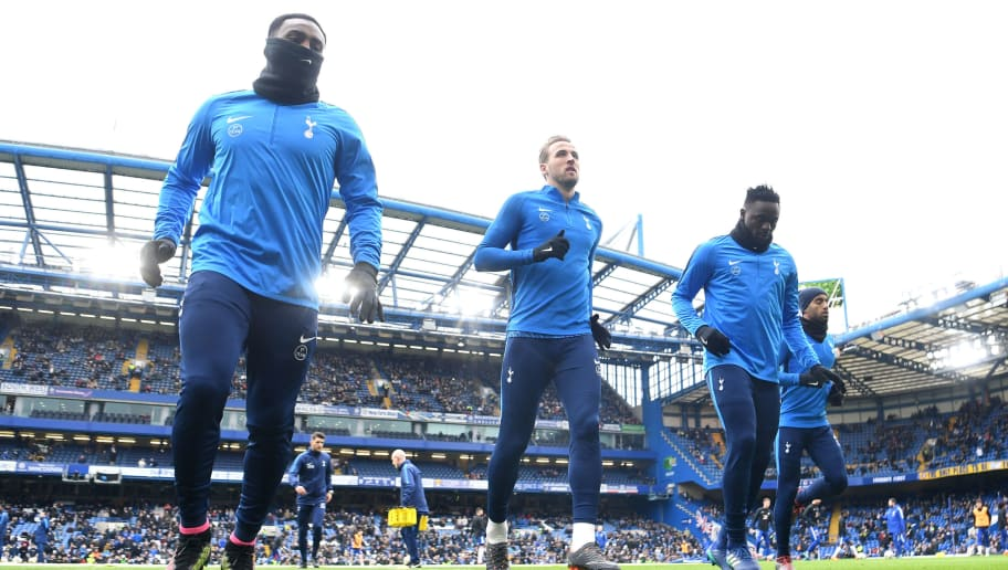LONDON, ENGLAND - APRIL 01: Danny Rose of Tottenham Hotspur, Harry Kane of Tottenham Hotspur and Victor Wanyama of Tottenham Hotspur warm up prior to the Premier League match between Chelsea and Tottenham Hotspur at Stamford Bridge on April 1, 2018 in London, England.  (Photo by Michael Regan/Getty Images)
