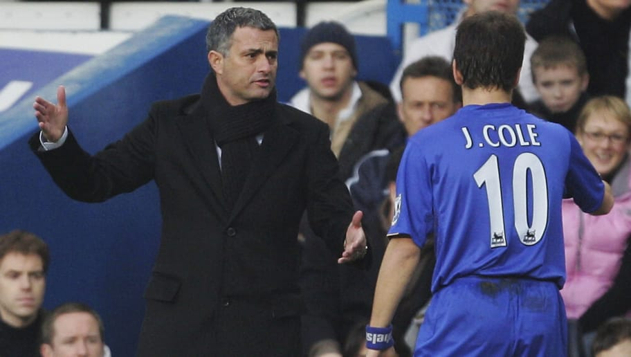 LONDON - DECEMBER 10:  Jose Mourinho manager of Chelsea gives instructions to Joe Cole during the FA Barclays Premiership match between Chelsea and Wigan Athletic at Stamford Bridge on December 10, 2005 in London, England.  (Photo by Mike Hewitt/Getty Images)