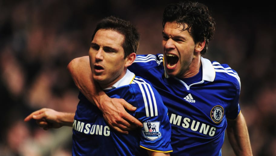 LONDON - FEBRUARY 28:  Frank Lampard (L) of Chelsea celebrates with team mate Michael Ballack after scoring the winning goal during the Barclays Premier League match between Chelsea and Wigan Athletic at Stamford Bridge on February 28, 2009 in London, England.  (Photo by Mike Hewitt/Getty Images)