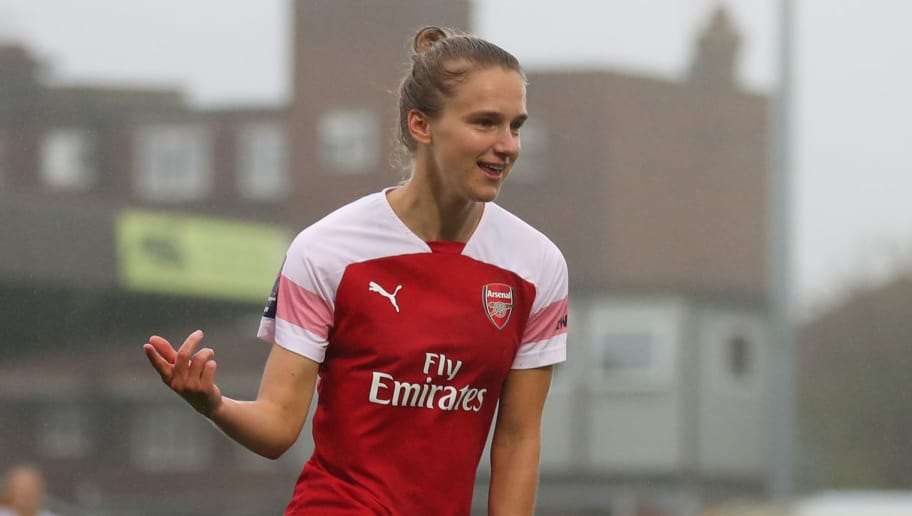 KINGSTON UPON THAMES, ENGLAND - OCTOBER 14: Vivianne Miedema of Arsenal celebrates after scoring her teams fourth goal during the FA WSL match between Chelsea Women and Arsenal at The Cherry Red Records Stadium on October 14, 2018 in Kingston upon Thames, England. (Photo by Catherine Ivill/Getty Images)
