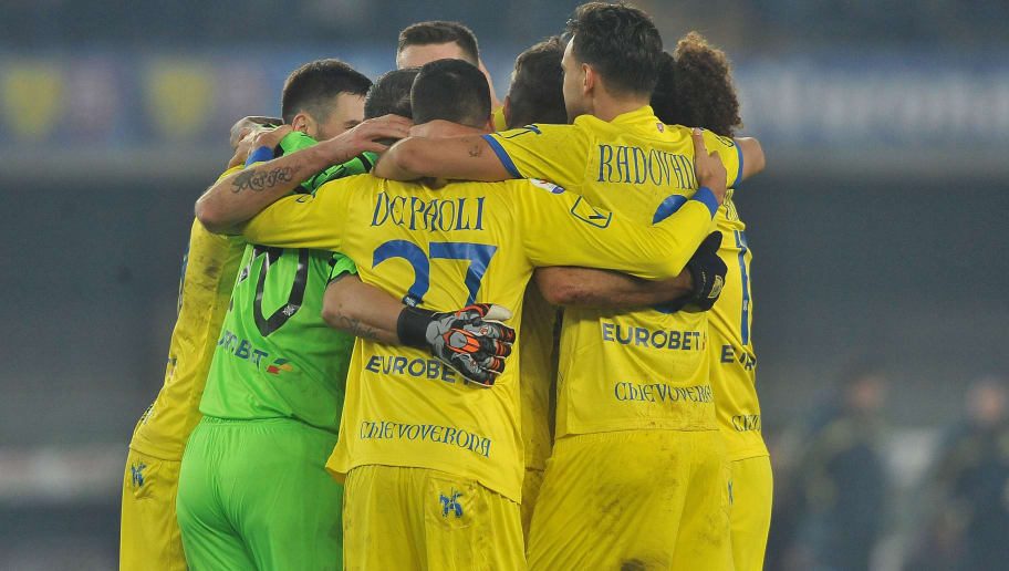VERONA, ITALY - DECEMBER 29:  players of Chievo Verona celebrate at the end of  the Serie A match between Chievo Verona and Frosinone Calcio at Stadio Marc'Antonio Bentegodi on December 29, 2018 in Verona, Italy.  (Photo by Mario Carlini / Iguana Press/Getty Images)