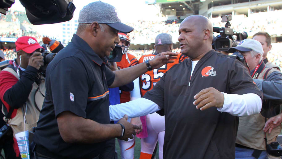 CINCINNATI, OH - OCTOBER 23:  Head Coach Marvin Lewis of the Cincinnati Bengals and Head Coach Hue Jackson of the Cleveland Browns shake hands after the completion of the game at Paul Brown Stadium on October 23, 2016 in Cincinnati, Ohio. Cincinnati defeated Cleveland 31-17. (Photo by John Grieshop/Getty Images)