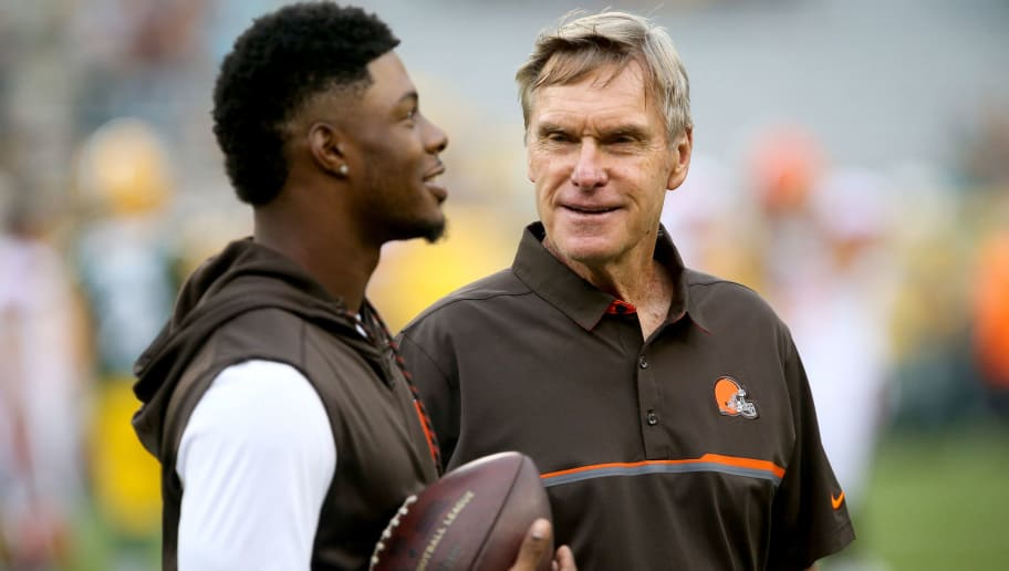 GREEN BAY, WI - AUGUST 12:  Cleveland Browns wide receivers coach Al Saunders talks with Corey Coleman #19 before the game against the Green Bay Packers at Lambeau Field on August 12, 2016 in Green Bay, Wisconsin. (Photo by Dylan Buell/Getty Images)