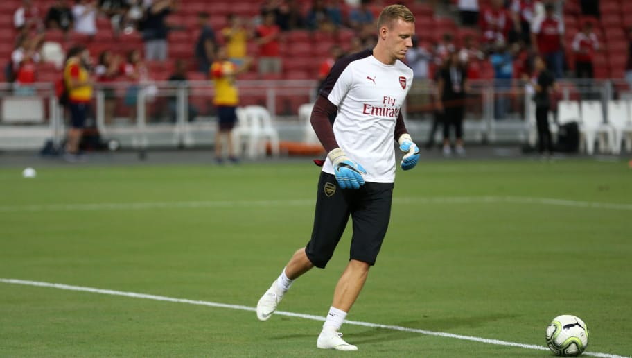 SINGAPORE, SINGAPORE - JULY 26: Bernd Leno of Arsenal warms up before the International Champions Cup 2018 match between Club Atletico de Madrid and Arsenal at the National Stadium on July 26, 2018 in Singapore. (Photo by Lionel Ng/Getty Images)