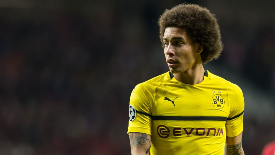 MADRID, SPAIN - NOVEMBER 06: Axel Witsel of Borussia Dortmund looks on during the Group A match of the UEFA Champions League between Club Atletico de Madrid and Borussia Dortmund at Estadio Wanda Metropolitano on November 6, 2018 in Madrid, Spain. (Photo by TF-Images/Getty Images)