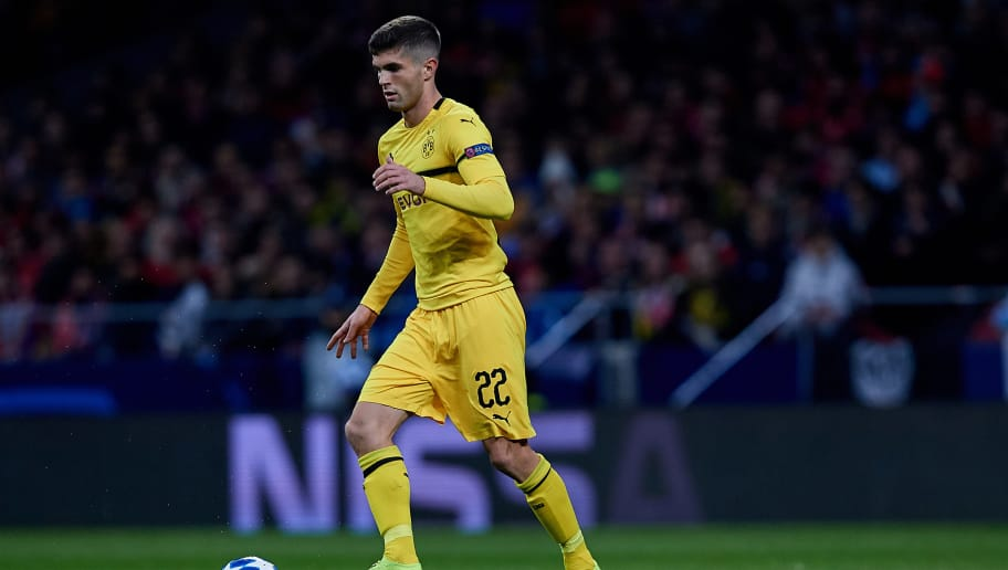 MADRID, SPAIN - NOVEMBER 06: Christian Pulisic of Borussia Dortmund in action during the Group A match of the UEFA Champions League between Club Atletico de Madrid and Borussia Dortmund at Estadio Wanda Metropolitano on November 6, 2018 in Madrid, Spain. (Photo by David Aliaga/MB Media/Getty Images)