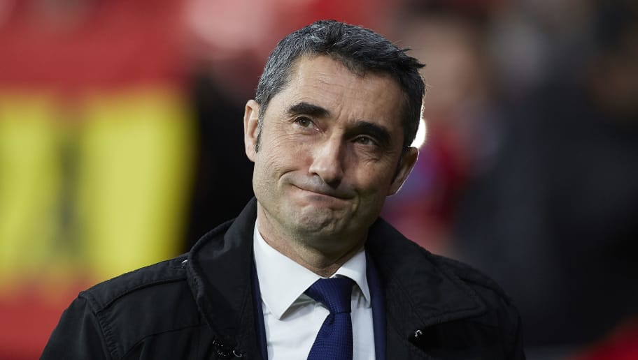 MADRID, SPAIN - NOVEMBER 24:  Ernesto Valverde, Manager of Barcelona looks on prior to the La Liga match between Club Atletico de Madrid and FC Barcelona at Wanda Metropolitano on November 24, 2018 in Madrid, Spain.  (Photo by Quality Sport Images/Getty Images)