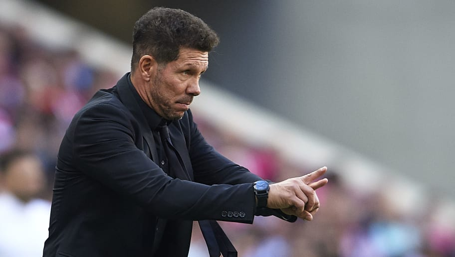 MADRID, SPAIN - OCTOBER 07:  Diego Pablo Simeone, Manager of Atletico de Madrid gives instructions during the La Liga match between Club Atletico de Madrid and Real Betis Balompie at Wanda Metropolitano on October 7, 2018 in Madrid, Spain.  (Photo by Quality Sport Images/Getty Images)
