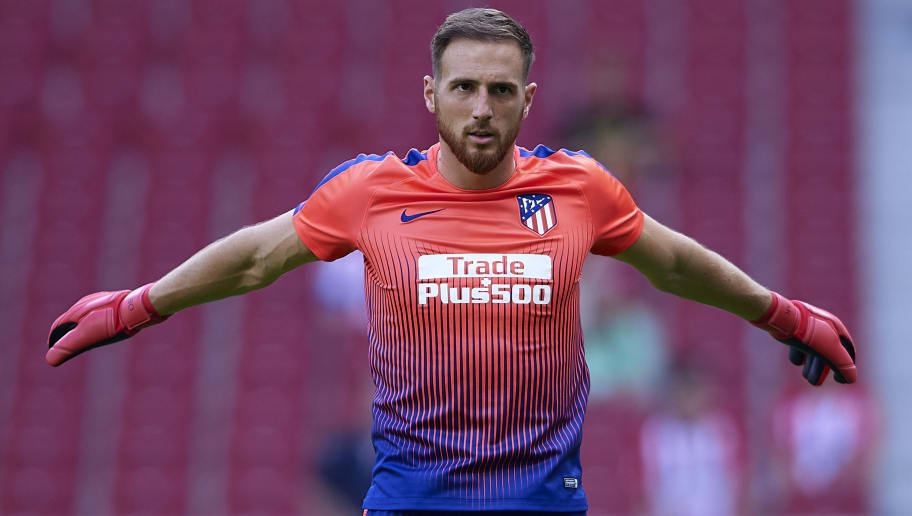 MADRID, SPAIN - SEPTEMBER 15:  Jan Oblak of Atletico de Madrid warms up prior to the La Liga match between Club Atletico de Madrid and SD Eibar at Wanda Metropolitano on September 15, 2018 in Madrid, Spain.  (Photo by Quality Sport Images/Getty Images)