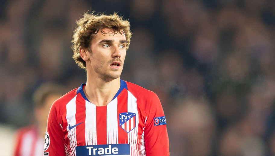 BRUGGE, BELGIUM - DECEMBER 11: Antoine Griezmann of Atletico Madrid controls the ball during the UEFA Champions League Group A match between Club Brugge and Club Atletico de Madrid at Jan Breydel Stadium on December 11, 2018 in Brugge, Belgium. (Photo by TF-Images/TF-Images via Getty Images)