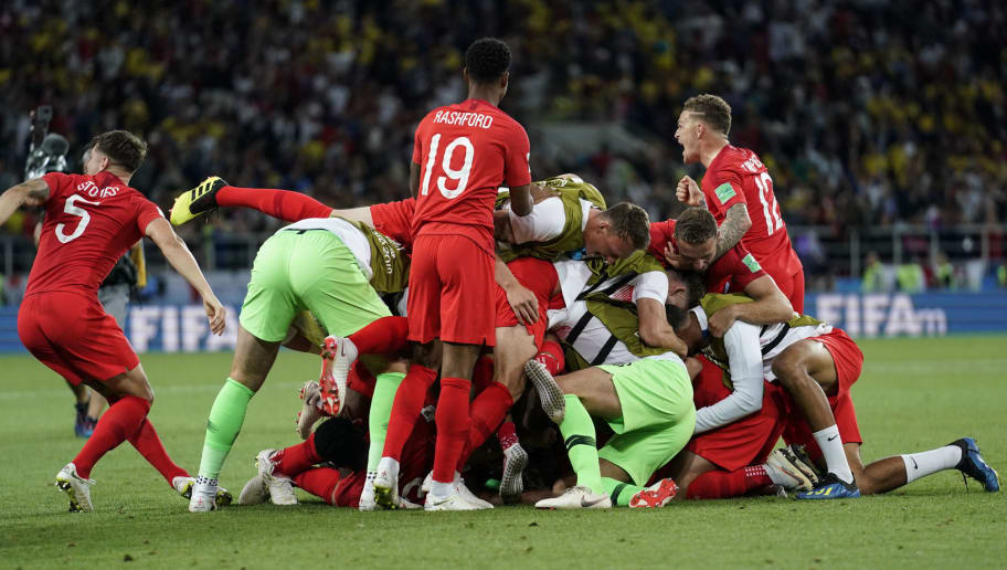 MOSCOW, RUSSIA - JULY 03:  Players of England celebrates his team victory at the end of the 2018 FIFA World Cup Russia Round of 16 match between Colombia and England at Spartak Stadium on July 3, 2018 in Moscow, Russia.  (Photo by Fred Lee/Getty Images)