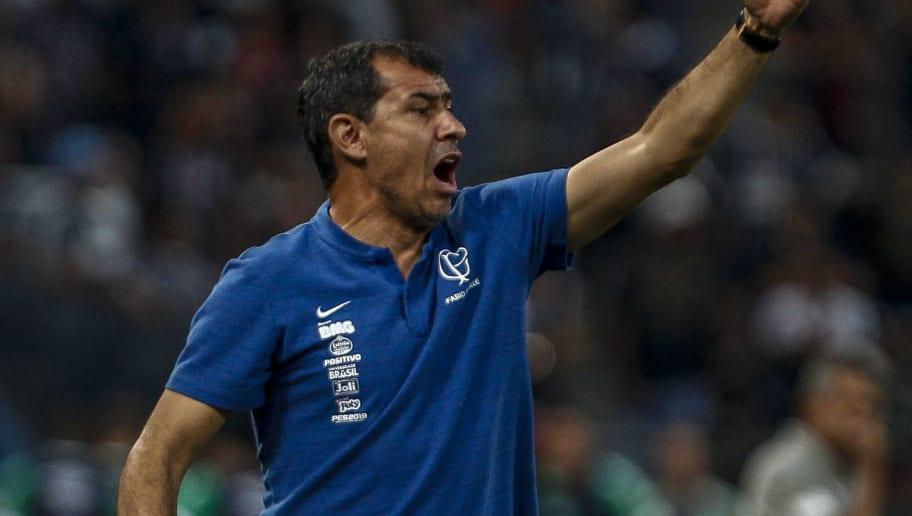 Mudanças: Corinthians se reapresenta com dupla campeã e despedidas em vista