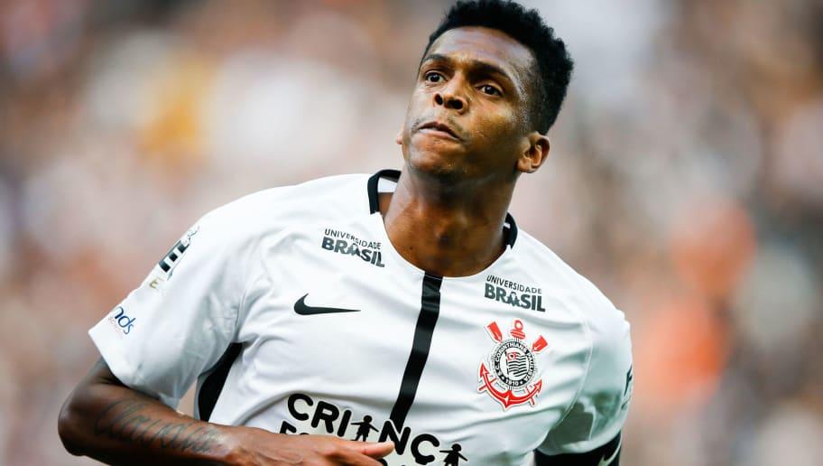Na mira de rivais, Jô abre o jogo e fala sobre retornar ao Corinthians