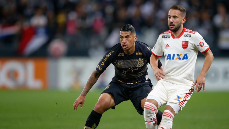 Everton Ribeiro,Ralf