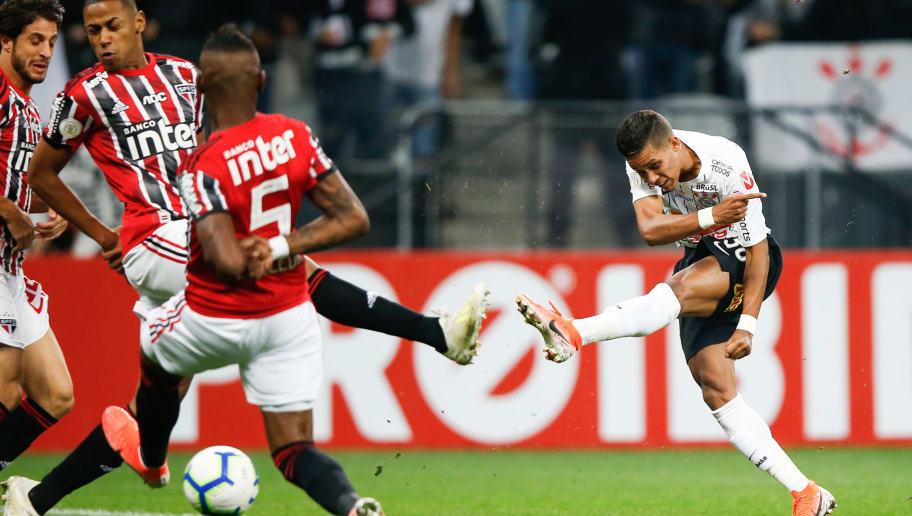 Presidente do Corinthians toma decisão para tentar facilitar venda de Pedrinho