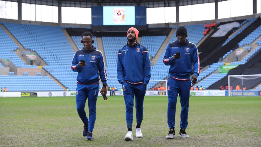COVENTRY, ENGLAND - JANUARY 06:  (L-R) Saido Berahino, Maxim Choupo-Moting and Kurt Zouma of Stoke City inspect the pitch prior to The Emirates FA Cup Third Round match between Coventry City and Stoke City at Ricoh Arena on January 6, 2018 in Coventry, England.  (Photo by Matthew Lewis/Getty Images)