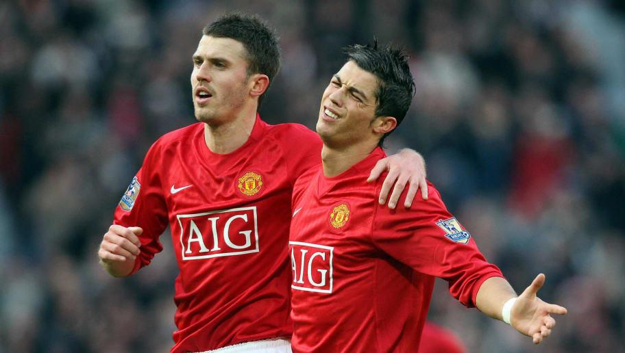 Cristiano Ronaldo (R) of Manchester Unit