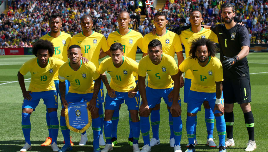 LIVERPOOL, ENGLAND - JUNE 03: The Brazil team pose for a team photo prior to the International Friendly match between Croatia and Brazil at Anfield on June 3, 2018 in Liverpool, England.  (Photo by Alex Livesey/Getty Images)