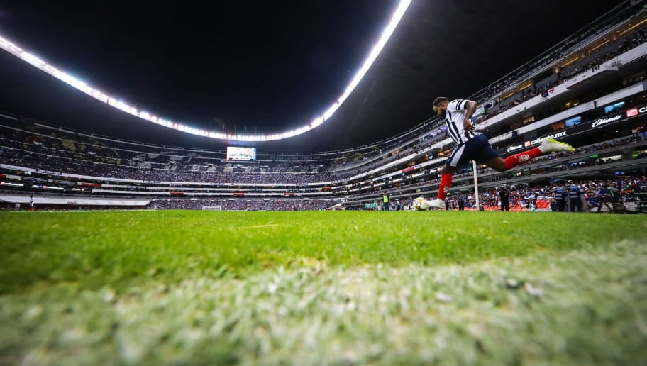 MEXICO CITY, MEXICO - DECEMBER 08: Dorlan Pabon #8 of Monterrey kicks the ball during the semifinal second leg match between Cruz Azul and Monterrey as part of the Torneo Apertura 2018 Liga MX at Azteca Stadium on December 8, 2018 in Mexico City, Mexico. (Photo by Hector Vivas/Getty Images)