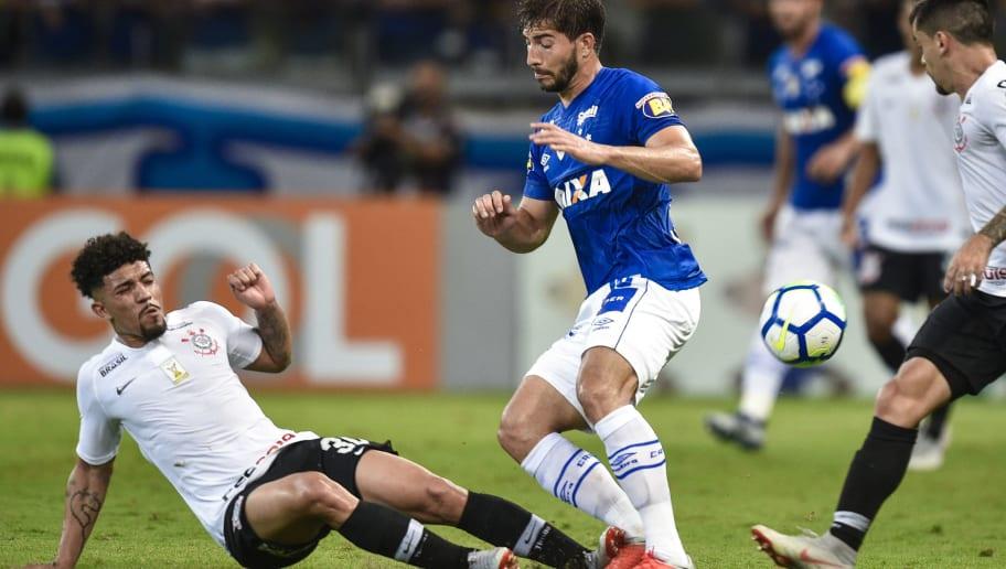 Lucas Silva,Douglas