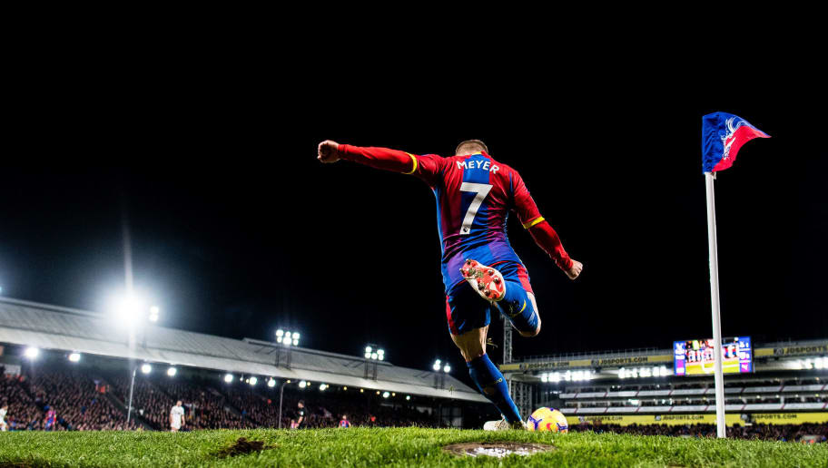 LONDON, ENGLAND - DECEMBER 01: Max Meyer of Crystal Palace take corner kick during the Premier League match between Crystal Palace and Burnley FC at Selhurst Park on December 1, 2018 in London, United Kingdom. (Photo by Sebastian Frej/MB Media/Getty Images)