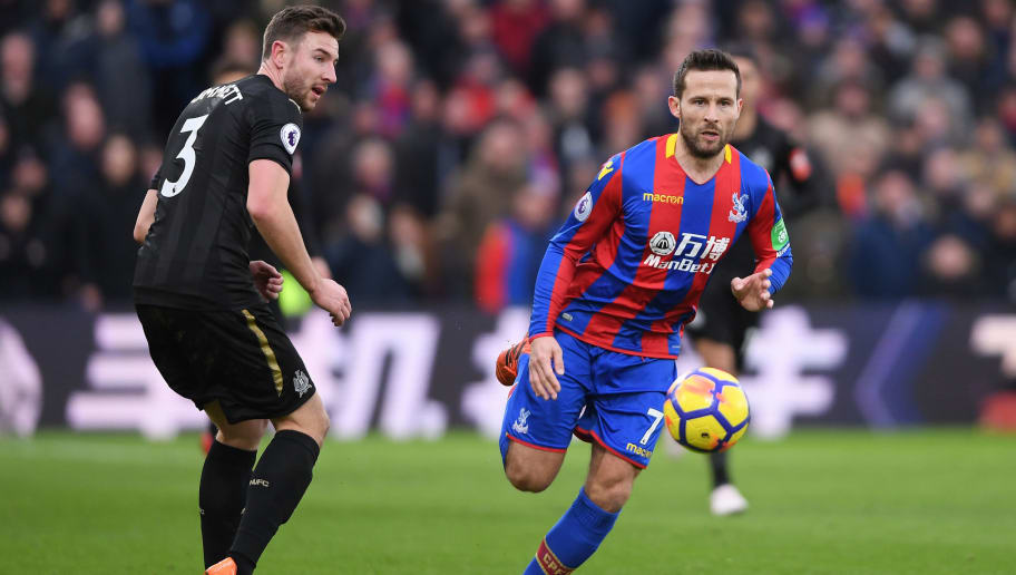 LONDON, ENGLAND - FEBRUARY 04:  Yohan Cabaye of Crystal Palace gets past Paul Dummett of Newcastle United during the Premier League match between Crystal Palace and Newcastle United at Selhurst Park on February 4, 2018 in London, England.  (Photo by Mike Hewitt/Getty Images)