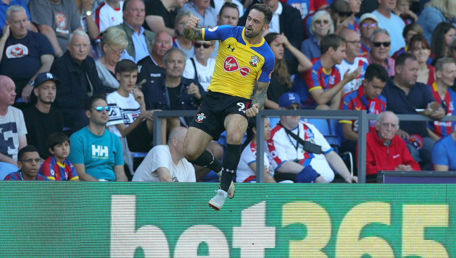 LONDON, ENGLAND - SEPTEMBER 01:  Danny Ings of Southampton celebrates after scoring his team's first goal during the Premier League match between Crystal Palace and Southampton FC at Selhurst Park on September 1, 2018 in London, United Kingdom.  (Photo by Alex Morton/Getty Images)