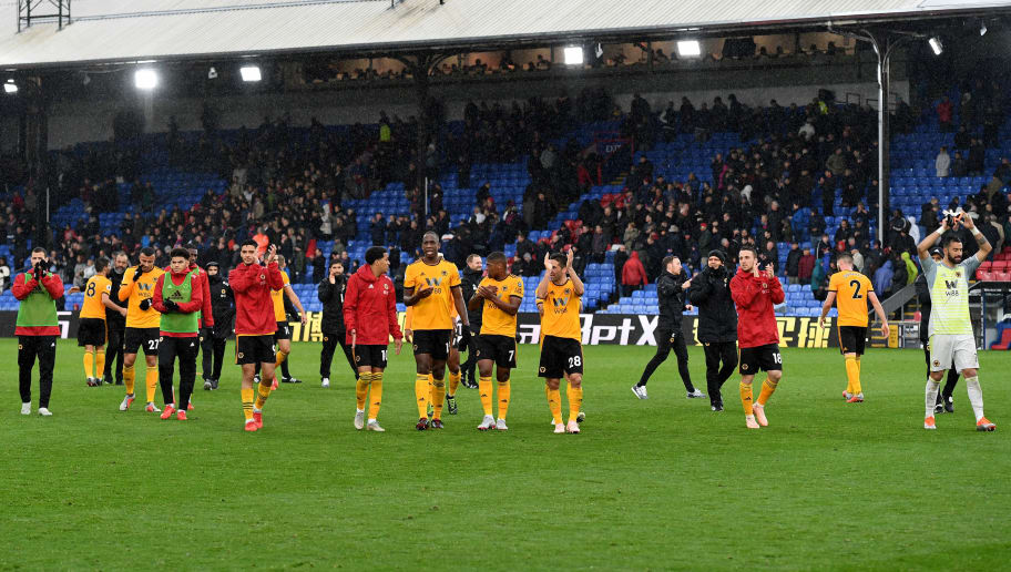 LONDON, ENGLAND - OCTOBER 06:  Players of Wolverhampton Wanderers celebrate victory at full time during the Premier League match between Crystal Palace and Wolverhampton Wanderers at Selhurst Park on October 6, 2018 in London, United Kingdom. (Photo by Sam Bagnall - AMA/Getty Images)