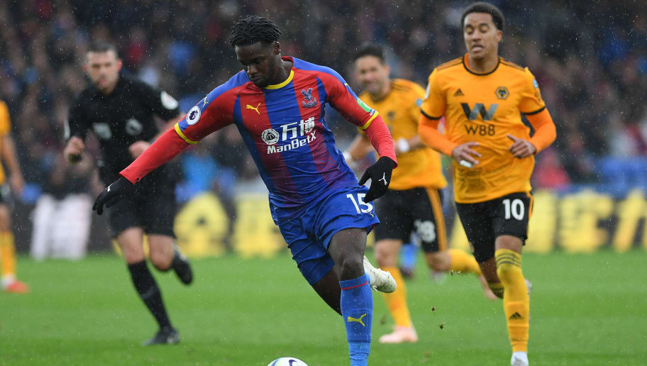 LONDON, ENGLAND - OCTOBER 06:  Jeffrey Schlupp of Crystal Palace in action during the Premier League match between Crystal Palace and Wolverhampton Wanderers at Selhurst Park on October 6, 2018 in London, United Kingdom.  (Photo by Mike Hewitt/Getty Images)