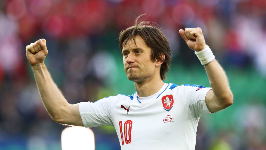 SAINT-ETIENNE, FRANCE - JUNE 17:  Tomas Rosicky of Czech Republic applauds supporters following the UEFA EURO 2016 Group D match between Czech Republic and Croatia at Stade Geoffroy-Guichard on June 17, 2016 in Saint-Etienne, France.  (Photo by Julian Finney/Getty Images)