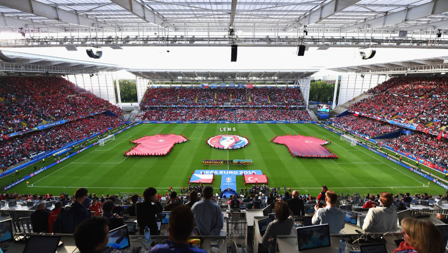 LENS, FRANCE - JUNE 21: A general view of  the teams lining up prior to the UEFA EURO 2016 Group D match between Czech Republic and Turkey at Stade Bollaert-Delelis on June 21, 2016 in Lens, France.  (Photo by Matthias Hangst/Getty Images)