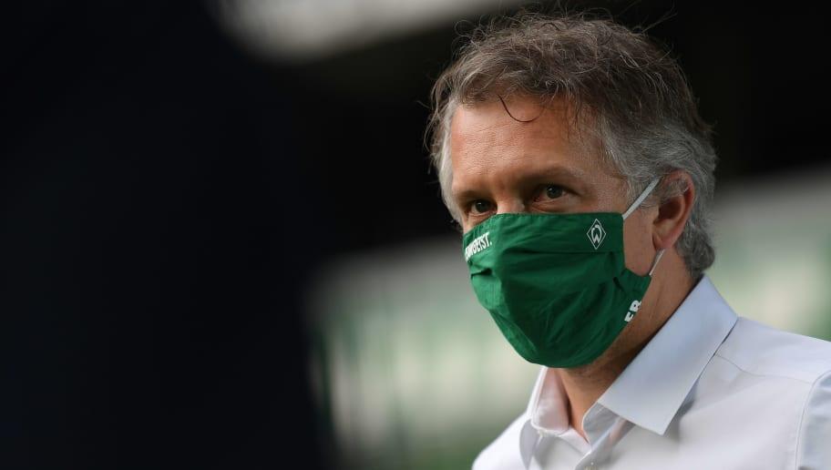 Werder-Manager Frank Baumann will sich in Zukunft gegen Krisenzeiten absichern