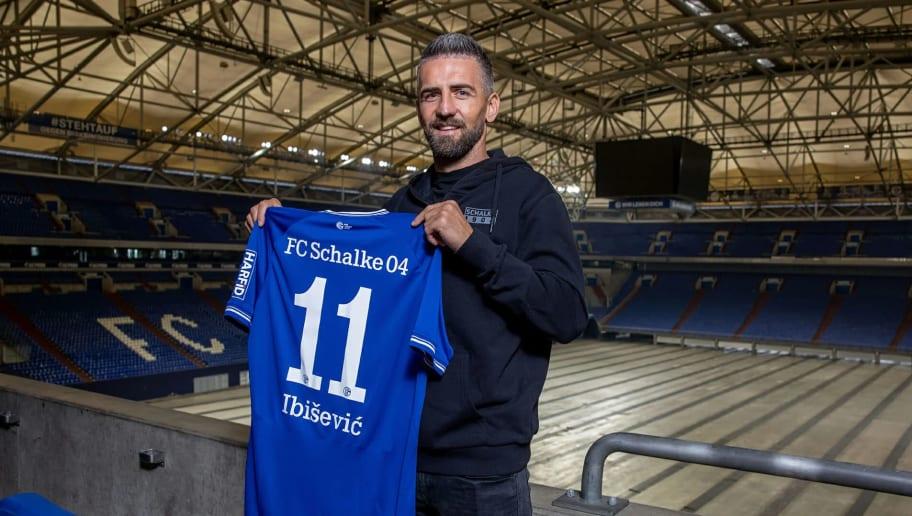 Vedad Ibisevic spielt demnächst für Schalke - und spendet sein ganzes Gehalt