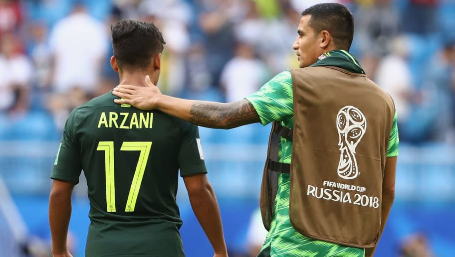 SAMARA, RUSSIA - JUNE 21:  Daniel Arzani and Tim Cahill of Australia embrace after the 2018 FIFA World Cup Russia group C match between Denmark and Australia at Samara Arena on June 21, 2018 in Samara, Russia.  (Photo by Robert Cianflone/Getty Images)