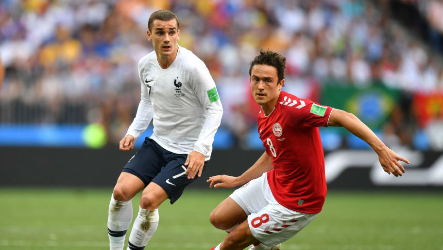 MOSCOW, RUSSIA - JUNE 26:  Antoine Griezmann of France battles for the ball with Thomas Delaney of Denmark during the 2018 FIFA World Cup Russia group C match between Denmark and France at Luzhniki Stadium on June 26, 2018 in Moscow, Russia.  (Photo by Dan Mullan/Getty Images)