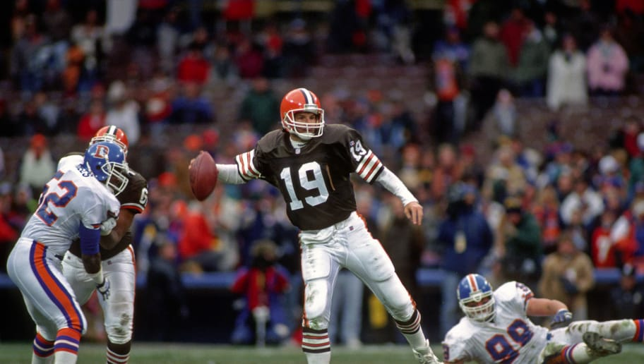 CLEVELAND, OH - NOVEMBER 7:  Quarterback Bernie Kosar #19 of the Cleveland Browns passes during a game against the Denver Broncos at Cleveland Municipal Stadium on November 7, 1993 in Cleveland, Ohio.  The Broncos defeated the Browns 29-14.  (Photo by George Gojkovich/Getty Images) *** Local Caption *** Bernie Kosar