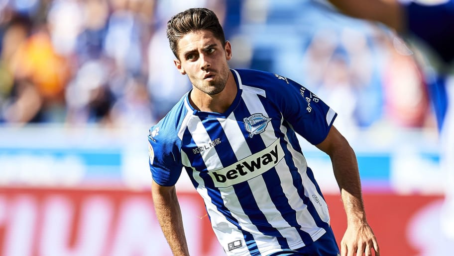 VITORIA-GASTEIZ, SPAIN - SEPTEMBER 02:  Ruben Sobrino of Deportivo Alaves celebrates after scoring his team's second goal during  the La Liga match between Deportivo Alaves and RCD Espanyol at Estadio de Mendizorroza on September 2, 2018 in Vitoria-Gasteiz, Spain. (Photo by Juan Manuel Serrano Arce/Getty Images)