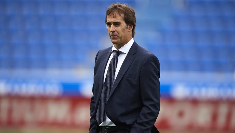 VITORIA-GASTEIZ, SPAIN - OCTOBER 06:  Julen Lopetegui of Real Madrid CF looks on during the La Liga match between Deportivo Alaves and Real Madrid CF at Estadio de Mendizorroza on October 6, 2018 in Vitoria-Gasteiz, Spain.  (Photo by Juan Manuel Serrano Arce/Getty Images)