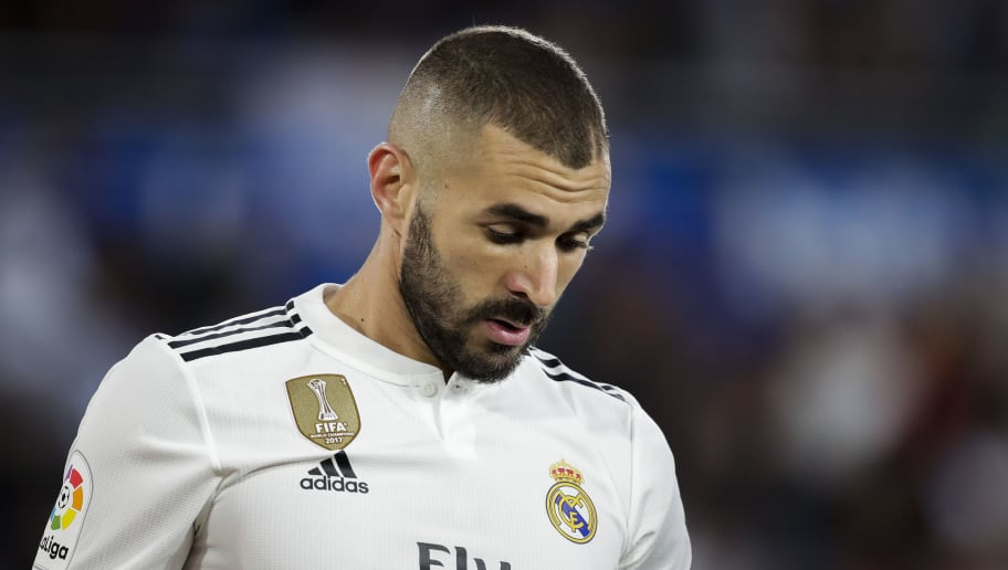VITORIA GASTEIZ, SPAIN - OCTOBER 6: Karim Benzema of Real Madrid during the La Liga Santander  match between Deportivo Alaves v Real Madrid at the Estadio de Mendizorroza on October 6, 2018 in Vitoria Gasteiz Spain (Photo by David S. Bustamante/Soccrates/Getty Images)