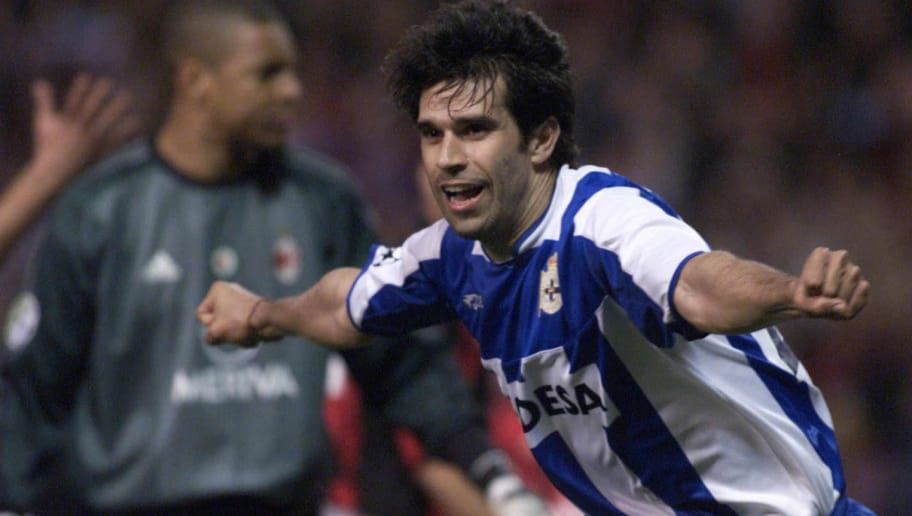 CORUNA, SPAIN:  Deportivo Coruna's player Juan Valeron celebrates after scoring the 2nd goal against AC Milan during the European Champions League quarterfinal second leg match at Riazor Stadium in Coruna, 07 April 2004. Deportivo won the match 4-0 and goes on to semifinals. AFP Photo / Iago LOPEZ  (Photo credit should read IAGO LOPEZ/AFP/Getty Images)